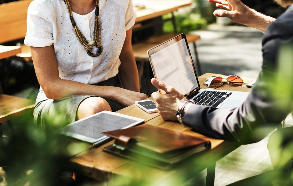 Kurs savoir vivre w biznesie online